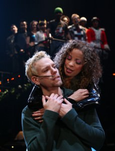 Adam Pascal et Lexi Lawson dans <i>RENT : The Broadway Tour</i> © Joan Marcus